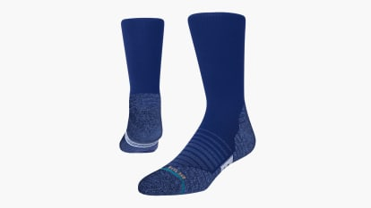 catalog/Apparel/Accessories /Socks/A558A21VRC-ROY/A558A21VRC-ROY-H_yuw5ry