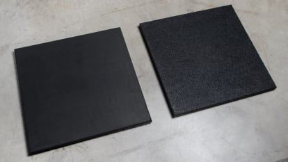 Rubber Tile shot options Crumb and Smooth shot on concrete
